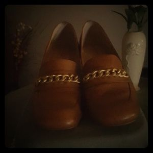 Tahari Tan Loafers Size 10M